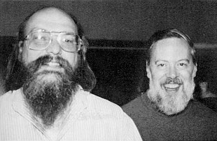 Ken Thompson (levo) in Dennis Ritchie