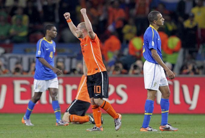 Brazilci so bili na dobri poti do novega velikega rezultata. V skupini niso imeli težav, v osmini finala so s 3:0 prerešetali mrežo Čila, dlje pa ni šlo. Čeprav so v četrtfinalu povedli proti Nizozemski (1:0), so tulipani na krilih dvakratnega strelca Wesleyja Sneijderja, ki je isto leto z Interjem osvojil ligo prvakov, zmagali z 2:1.