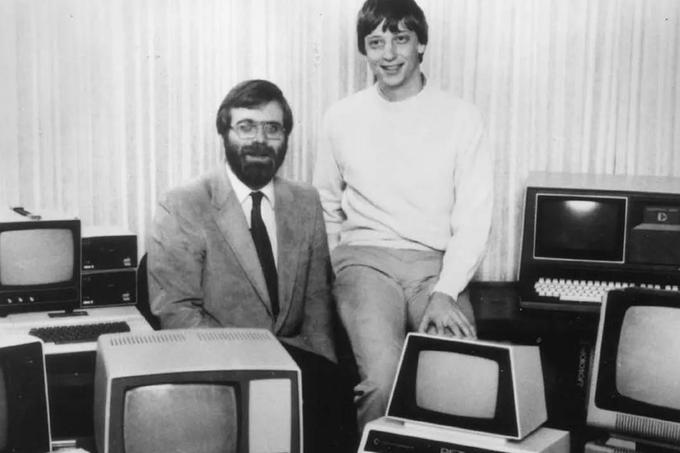 Paul Allen (levo) in Bill Gates (desno), 1981