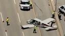 Letalo strmoglavilo na avtocesto, čudežno vsi preživeli #video
