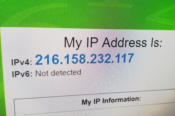 Naslov IP ještevilka, ki v omrežju deluje kot osebna izkaznica povezane naprave.