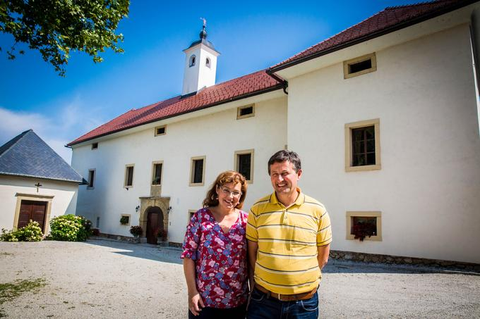Petra in Peter Pirnat vrata svojega doma odpirata tudi za obiskovalce, ki si lahko tam ogledajo muzej pohištva in drugih elementov notranje opreme vse od 17. stoletja. Najpogosteje pa organizirata poroke.