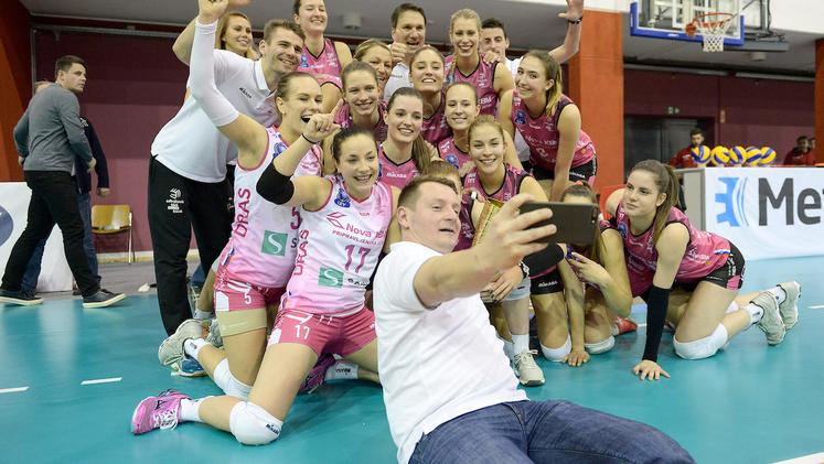 Nova KBM Branik Calcit Volley