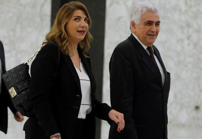 Ministrica za pravosodje Marie-Claude Najm (levo) je tretja v vrsti, ki je odstopila po eksploziji v Bejrutu.