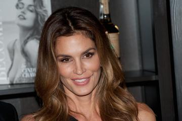 So 50. nova 30.? Pri Cindy Crawford je videti tako.