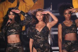 Beyonce se je vrnila v Destiny's Child, oboževalci pa ponoreli #video