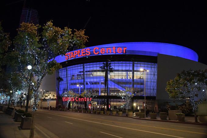 Košarkarji Los Angeles Lakers si dvorano Staples Center delijo s hokejisti L.A. Kings in košarkarji L.A. Clippers.