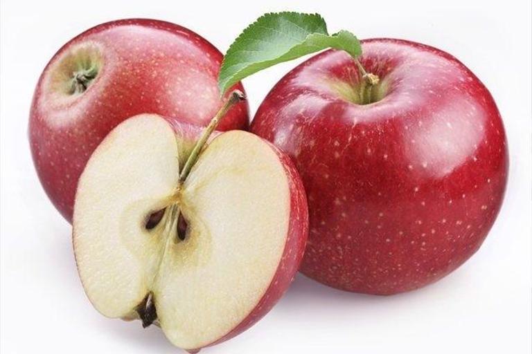 Novi podatki: jabolka imajo največ pesticidov, čebula najmanj ...