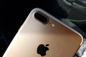 iPhone 7 Plus: Ima vse, da postane številka ena  #prvivtis #video