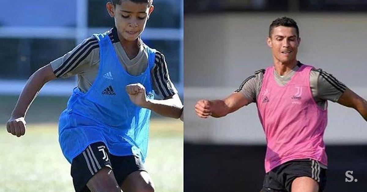 buy popular c89a0 0aab7 After father's graduation: Ronaldo Junior in Juventus jersey