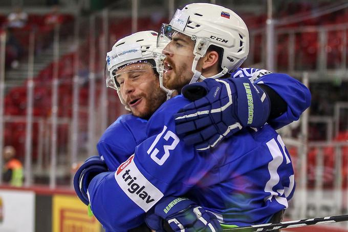 Important members of the Slovenian attack Jan Urbas and Miha Verlic join forces in the elite German league this year.