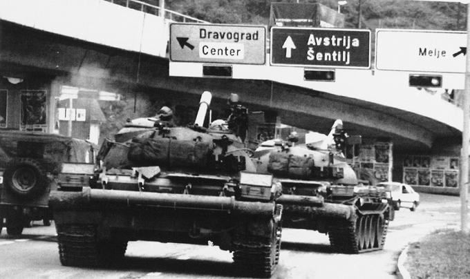 Jugoslovanski tanki na poti proti Šentilju
