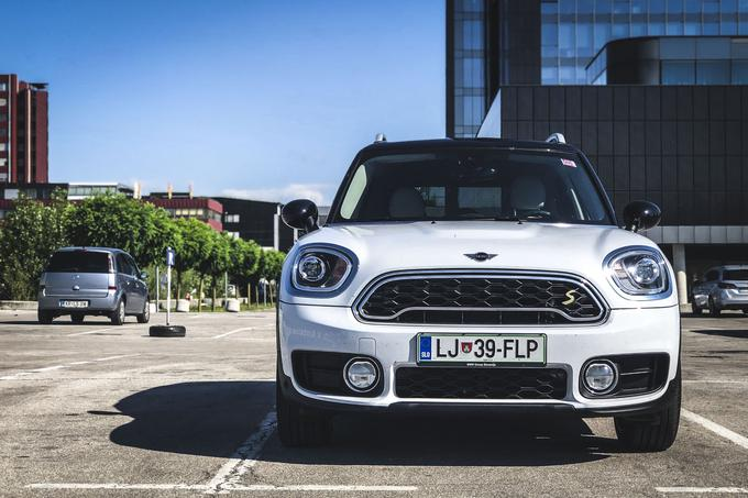 Hibridni mini countryman