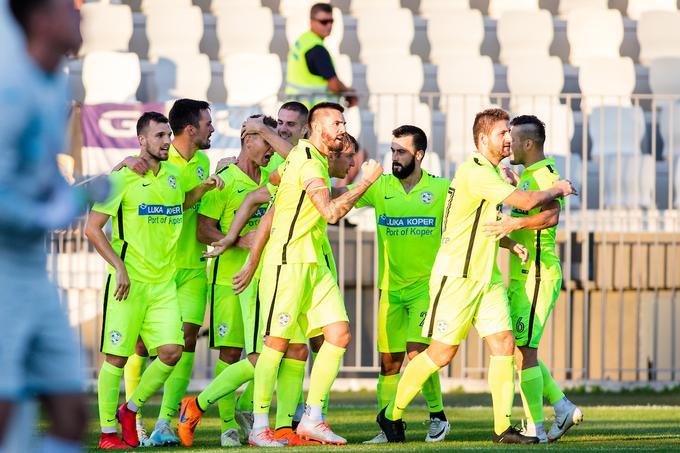 Koprčani so najbližje zasledovalce v drugi ligi, primorske tekmece Gorico, prehiteli za tri točke.
