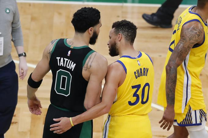 Na tekmi med Boston Celtics in Golden State Warriors sta izstopala Jayson Tatum in Stephen Curry.