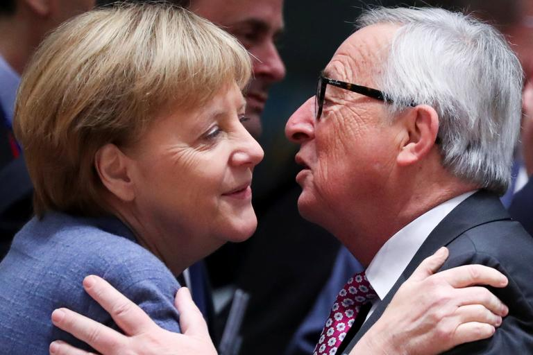 Angela Merkel in Jean-Claude Juncker