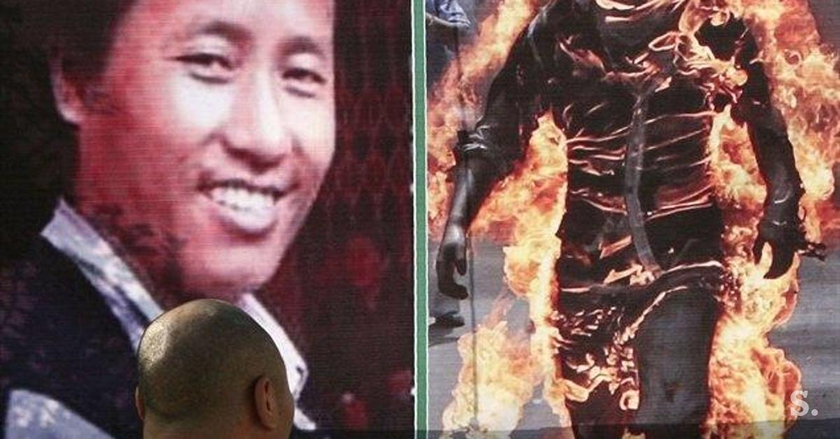 a discussion on the issue of self immolations in tibet From self-immolation (added by myself): there were at least 533 self-immolations reported in western media from the 1960s to 2002, but this is dwarfed by india where 1,451 and 1,584 self-immolations have been reported in 2000 and 2001 alone.