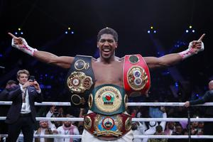 Vrnil mu je: Anthony Joshua je nazaj na prestolu! #video