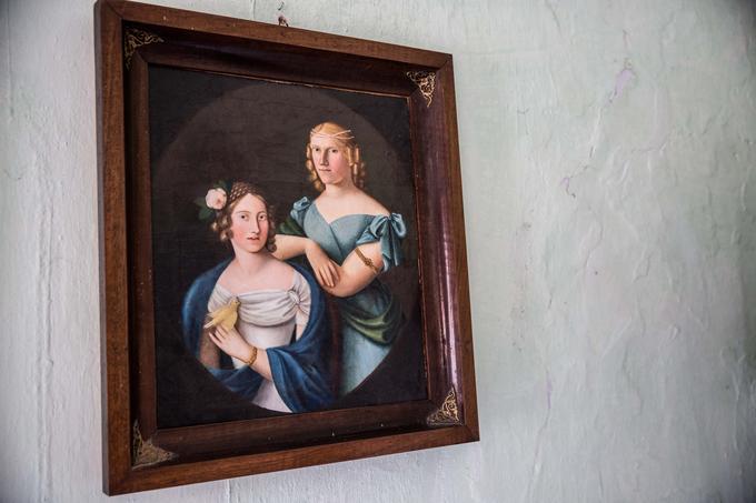 Z zadnjo grofico nemško-italijanske rodbine Scharija, Maksimilijano Scharija (na desni), se je leta 1853 poročil grajski vrtnar Luka Pirnat. Po njeni smrti je grad prešel v njegove roke in tako ostal v družini Pirnat.