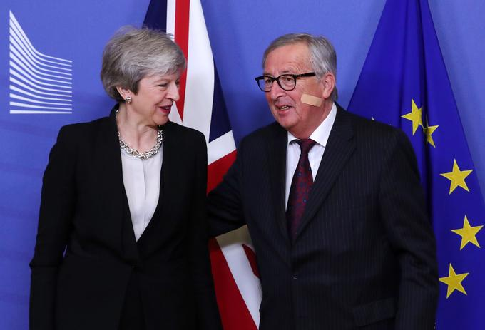 Theresa May in Jean-Claude Juncker