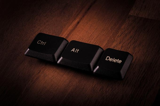 The Ctrl-Alt-Delete combination appeared on Windows operating systems with version 3.0, released in 1990. The simultaneous key combination has become a common practice for users who have been in conflict with a reimbursable computer. Your issue was resolved with Ctrl-Alt-Delete, which allowed the user to turn off a troublesome computer or restart the system.