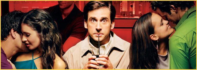 """Andy Stitzer ((Steve Carell) v 40 letih svojega življenja še ni izkusil spolnosti v dvoje. Prijatelji mu bodo zdaj za vsako ceno pomagali. Bo preživel njihovo """"pomoč"""" in pristal v pravem ljubezenskem gnezdu? V izjemno smešni komediji Judda Apatowa igrajo še Catherine Keener, Paul Rudd in Seth Rogen. • V sredo, 22. 1., ob 21.45 na Kanal A.*"""