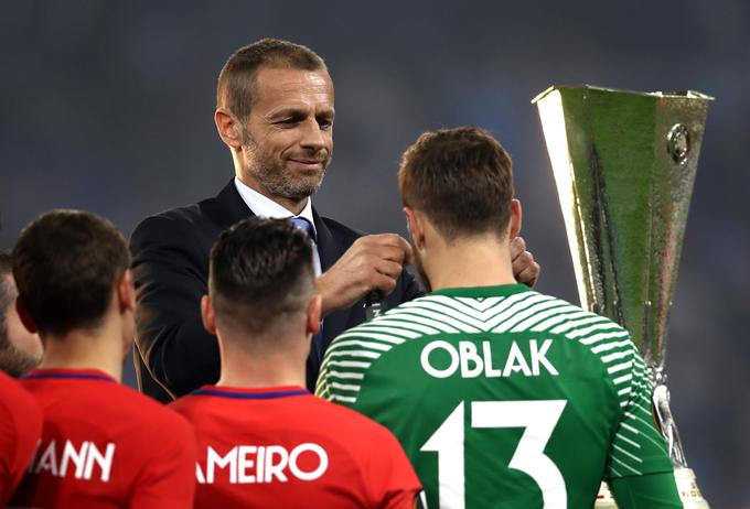 V Lyonu je, ko mu je medaljo okoli vratu obesil Aleksander Čeferin, dočakal vrhunec kariere. Koliko jih še bo?