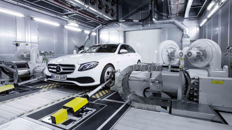 Mercedes-benz novi motrji in testni center