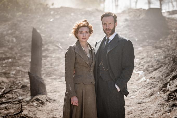 Osrednja zaljubljenca, Amy in Georgeja, sta upodobila Eleanor Tomlinson in Rafe Spall. | Foto: Banijay Rights