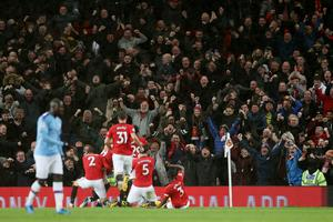 Leicester razbil Aston Villo, Man Utd premagal Man City