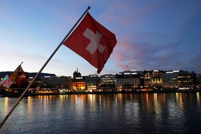 Švica ni članica Evropske unije, a je del schengenskega prostora, kjer (načeloma) ni mejnih kontrol med članicami.