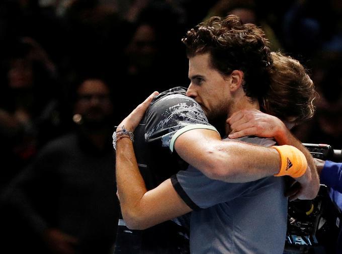 Prijateljski objem po velikem finalu