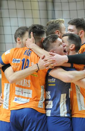 Stara znanca v finalu, ACH Volley in Calcit Volley